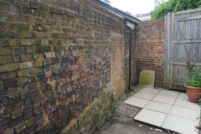 Courtyard Garden of Grosvenor House, Grosvenor Park, Tunbridge Wells TN1