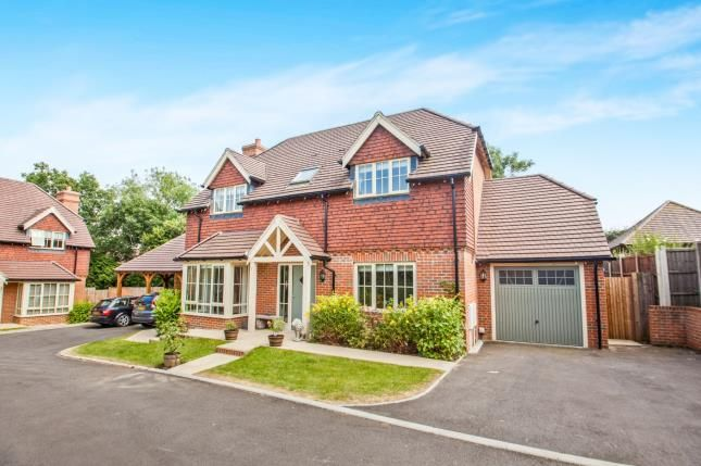 Thumbnail Detached house for sale in Kingsmead, Cemetery Lane, Kennington, Ashford