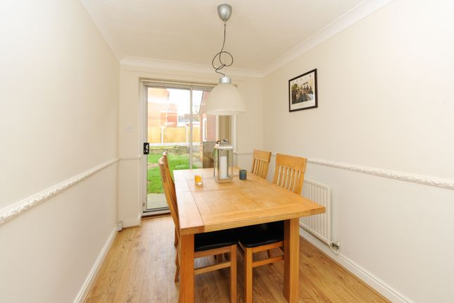 Dining Room of Old House Road, Chesterfield S40