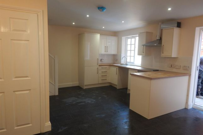 Thumbnail Mews house to rent in Market Place, Newark