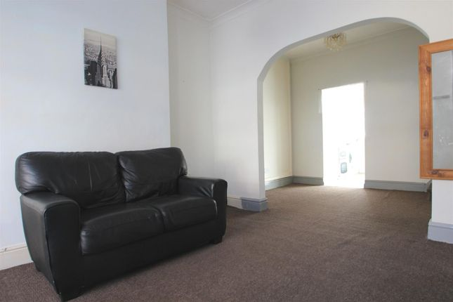 Reception Room of Glencoe Villas, New Bridge Road, Hull HU9