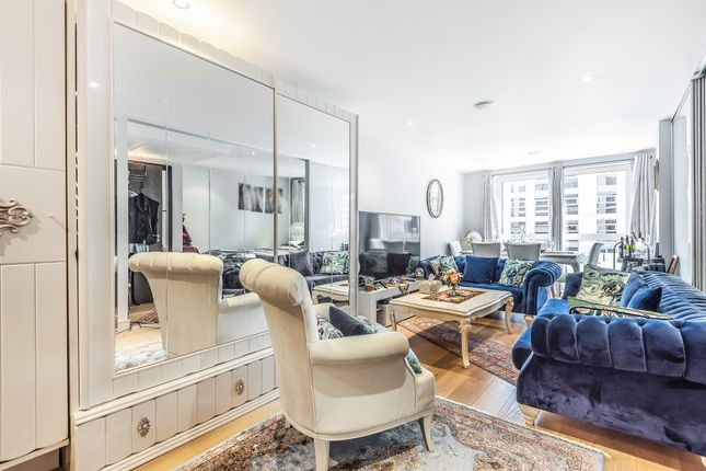 Flat for sale in Townmead Road, Fulham, London