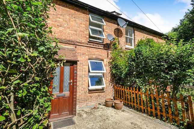 Thumbnail Cottage to rent in Pounsley Road, Dunton Green, Sevenoaks
