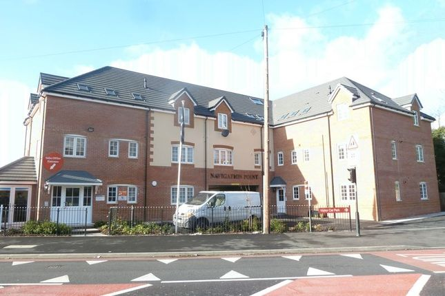 Thumbnail Flat to rent in Bescot Road, Walsall
