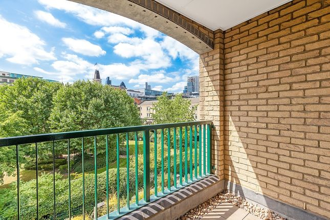 Balcony of Backchurch Lane, Hooper Square, London E1