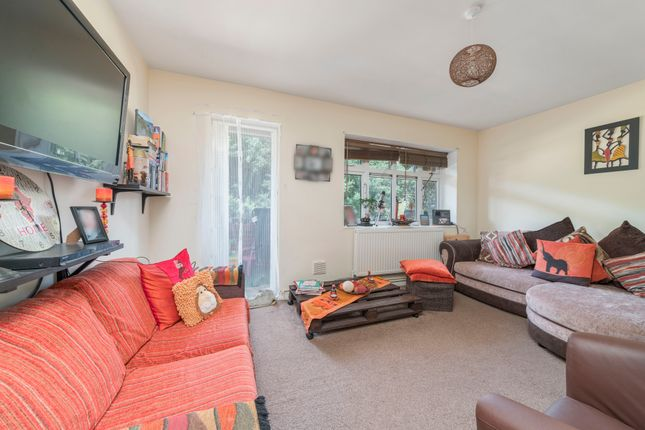 Thumbnail Flat for sale in Rivenhall Gardens, London