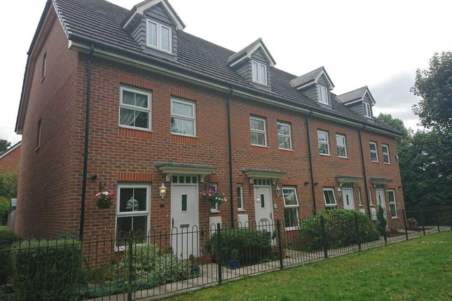 Thumbnail Property to rent in Bath Road, Cippenham, Slough