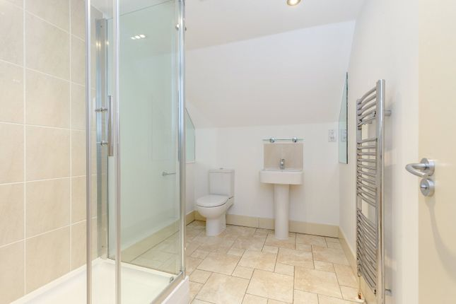 Shower Room of St Lawrence Road, South Hinksey, Oxford OX1