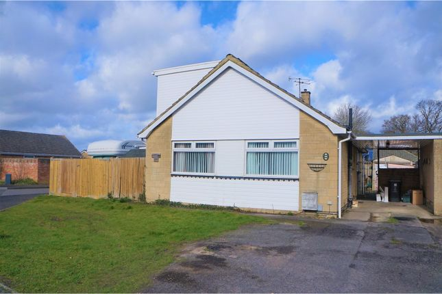 Thumbnail Detached bungalow for sale in Severn Avenue, Swindon