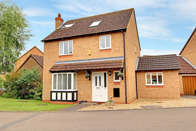 Thumbnail Detached house for sale in Hurford Drive, Thatcham, West Berkshire