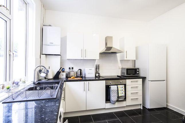 Thumbnail Room to rent in Albert Street, Chadderton, Oldham