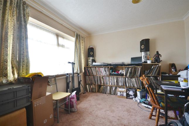 Family Room of Bro Myrddin, Carmarthen SA31