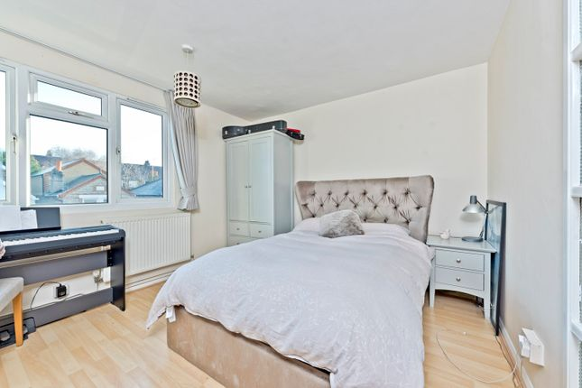 Thumbnail Flat to rent in St. Georges Road, Kingston Upon Thames