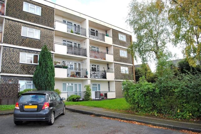 Thumbnail Flat to rent in Rundells, Harlow