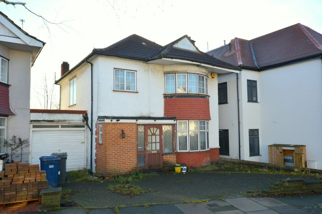 3 bed semi-detached house for sale in Beaufort Gardens, London
