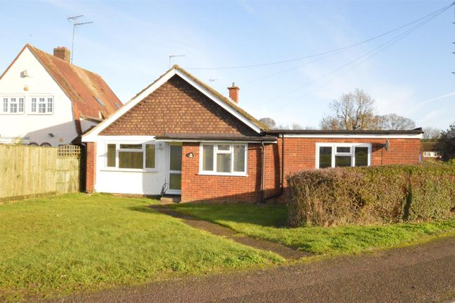 Thumbnail Bungalow for sale in Seamons Close, Dunstable