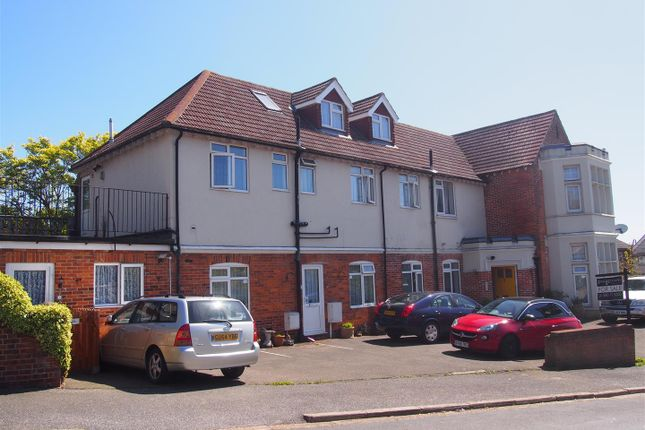 Thumbnail Flat to rent in St. Leonards Road, Bexhill-On-Sea