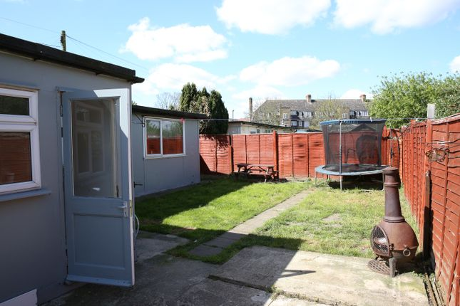 Thumbnail Bungalow to rent in Persant Road, Catford