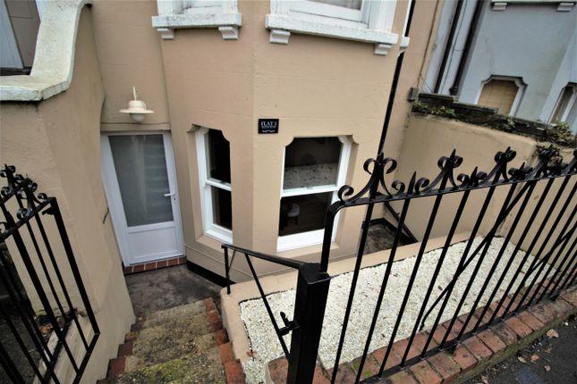 Thumbnail Flat to rent in Queens Road, Aldershot