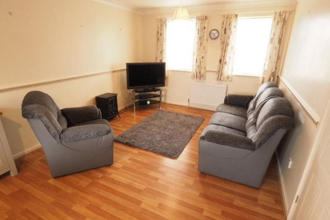 Thumbnail Flat for sale in Plimsoll Way, Victoria Dock, Hull