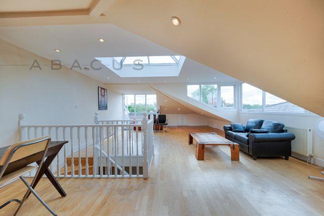 Thumbnail Flat to rent in Top Floor Flat, Randolph Avenue, Maida Vale