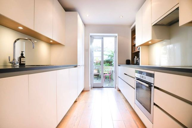 Thumbnail Terraced house to rent in Angel, London, Islington