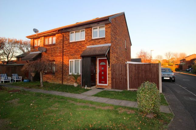 3 bed end terrace house to rent in Woodrush Crescent, Locks Heath, Southampton SO31
