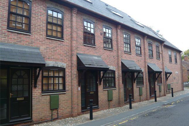 3 bed terraced house to rent in The Moorings, School Lane, Buckingham, Bucks MK18
