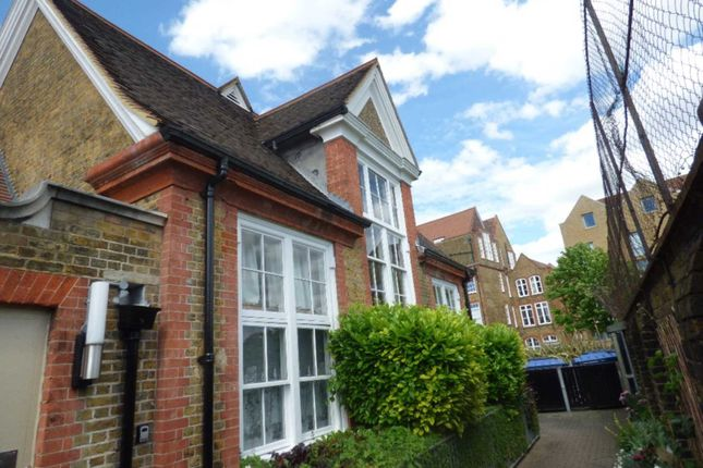 Thumbnail Flat to rent in Bloomfield Road, London