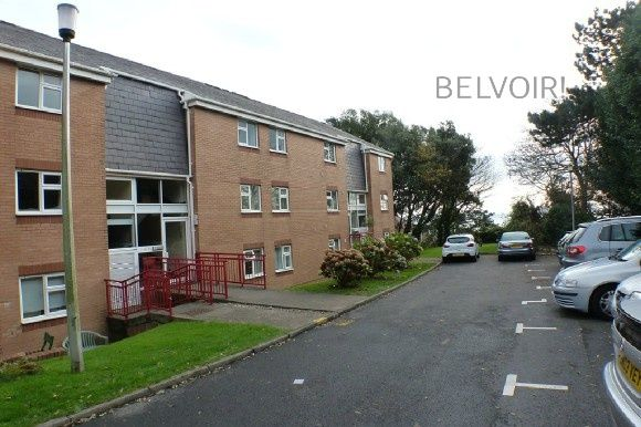 Thumbnail Flat to rent in Llwyn Y Mor, Caswell, Swansea