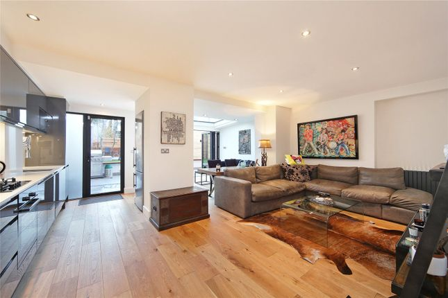Thumbnail Flat for sale in The Chase, London
