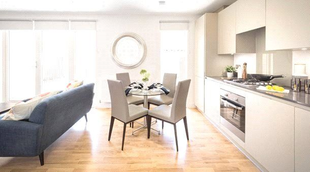 2 bed flat to rent in Casa Court, 4 Bristol Avenue, London