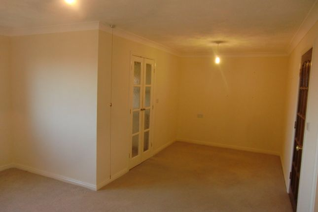 Thumbnail Flat to rent in Madingley Court, Cambridge Road, Southport, Merseyside