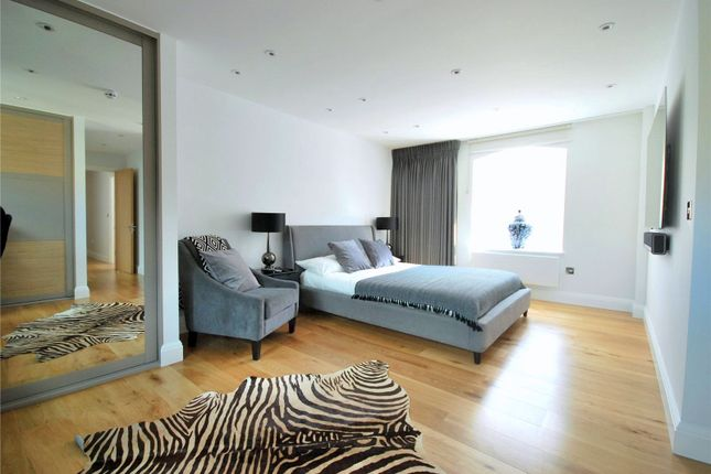 Thumbnail Flat to rent in The Grainstore, 4 Western Gateway, London