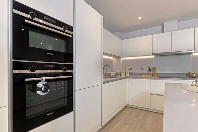 Thumbnail Flat for sale in Ickleford Mews, Hitchin, Hertfordshire