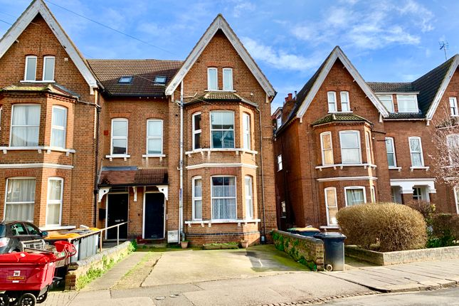 Flat to rent in Conduit Road, Bedford