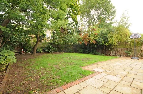 Garden of Springfield Road, London NW8