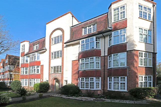 Thumbnail Flat for sale in Vale Road, Bournemouth