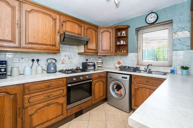 Kitchen of Hunters Gardens, Dinnington, Sheffield, South Yorkshire S25