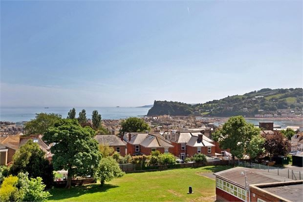 Thumbnail Flat for sale in Winterbourne Road, Teignmouth, Devon.