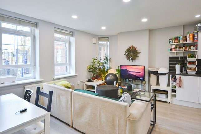 3 bed shared accommodation to rent in Powell Road, London E5
