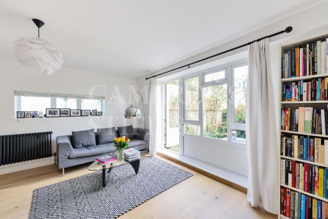 3 bed flat for sale in Lincoln Mews, London NW6