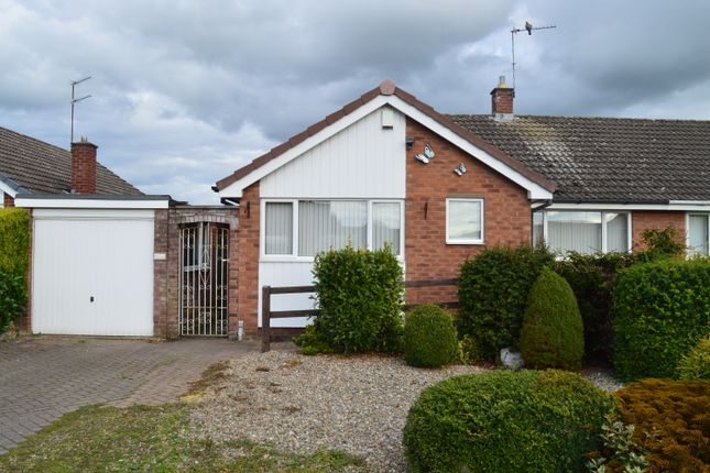 2 bed bungalow to rent in Farcrfot Drive, Market Drayton