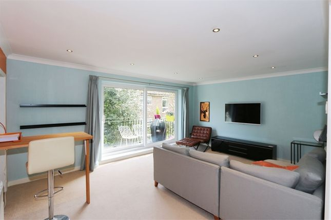 Thumbnail Flat to rent in Brook Lane, Alderley Edge, Cheshire