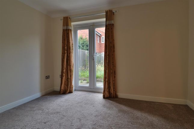 Thumbnail Town house to rent in Weavers Fold, Warrington