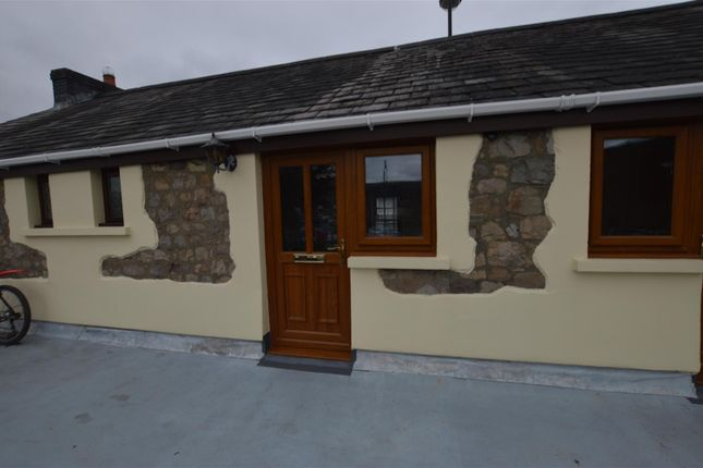 Thumbnail Flat to rent in Wind Street, Ammanford