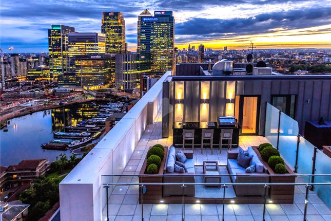 Thumbnail Flat for sale in Horizons Tower, Yabsley Street, Canary Wharf, London