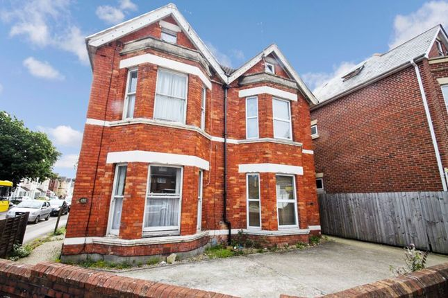 Thumbnail Detached house to rent in Holdenhurst Road, Bournemouth