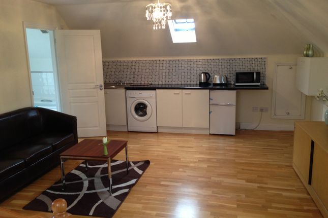 Thumbnail Studio to rent in Crofton Road, Farnborough, Orpington