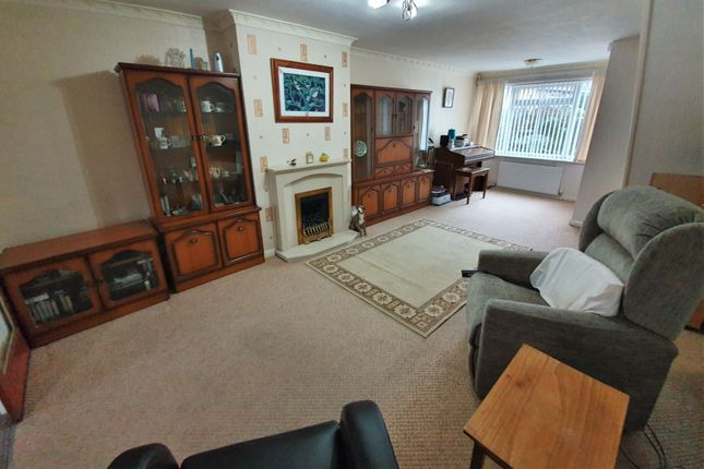 Lounge of Packer Avenue, Leicester Forest East, Leicester LE3